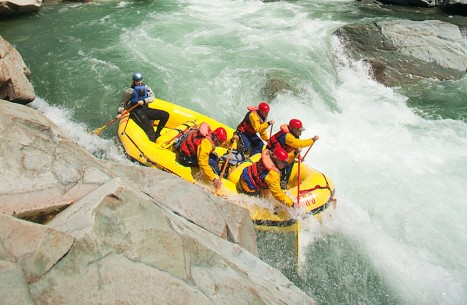 Paddle Raft in Staircase Rapid North Fork from Above Photo Credit: Justin Bailie