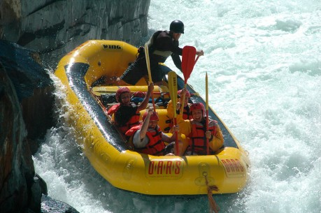 Class IV California Whitewater Rafting - Tunnel Chute, Middle Fork American