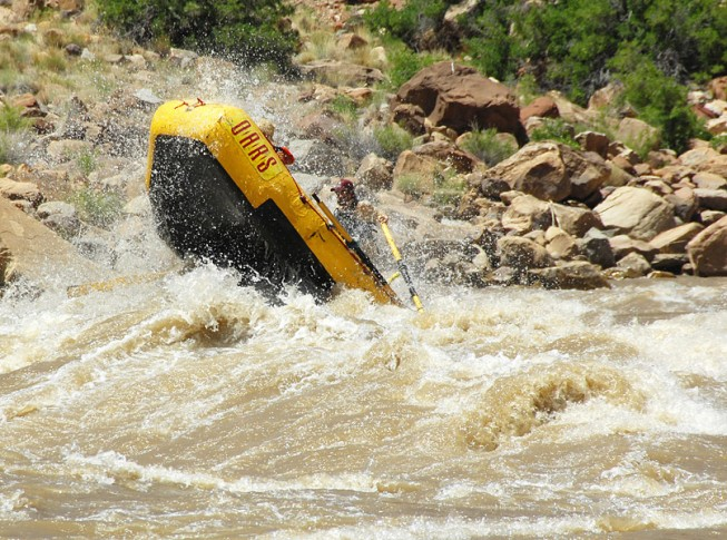 Rafting Cataract Canyon in high water