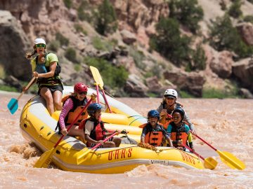 Rafting on the Green River through Split Mountain