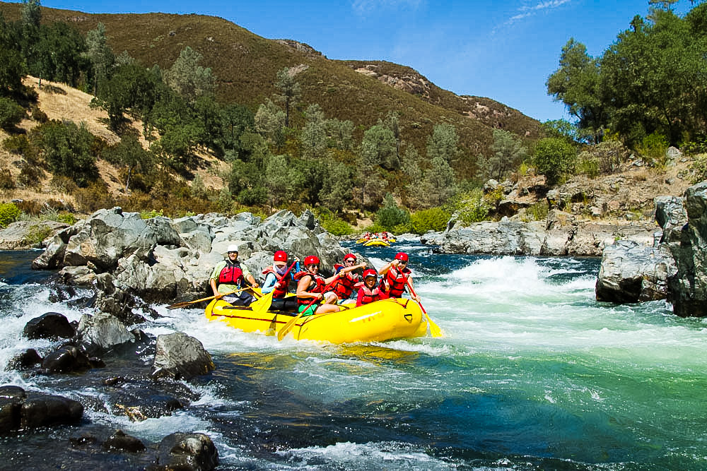 Pictures of topless river rafting — photo 12