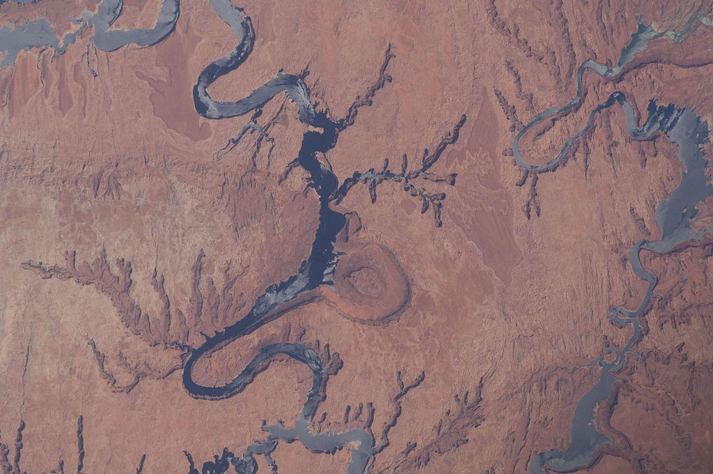 The Colorado River at a Dusty Crossroads | Photo: NASA