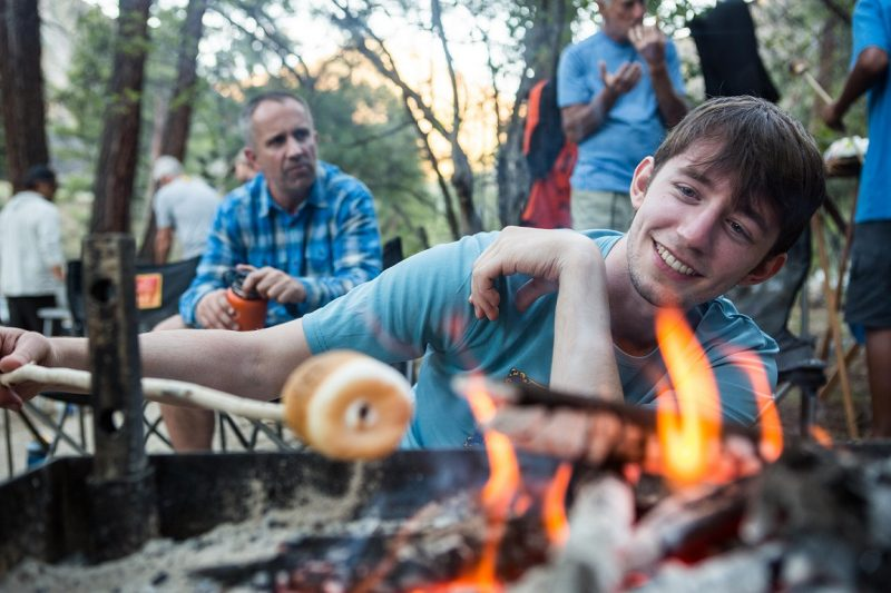 4 Reasons Life is Better by the Campfire