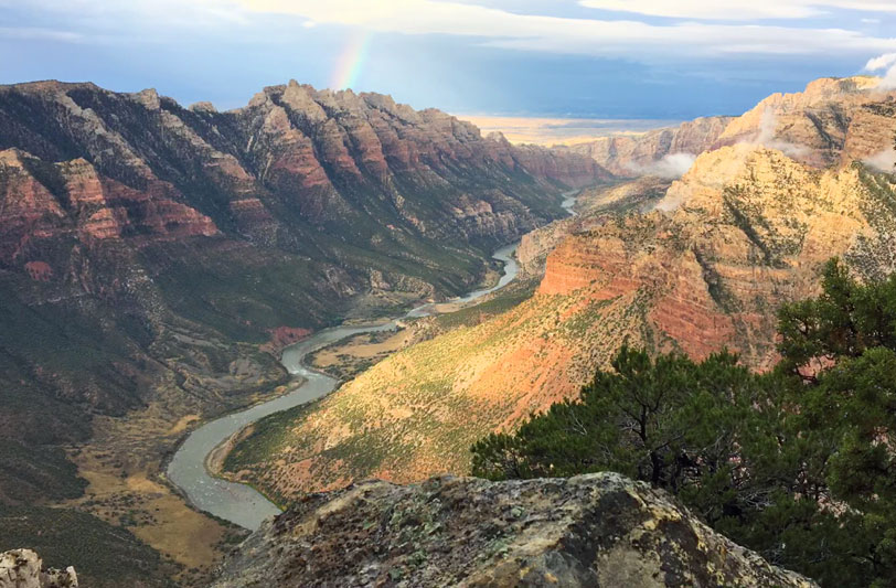Green River through Split Mountain Canyon from Ruple Point Trail
