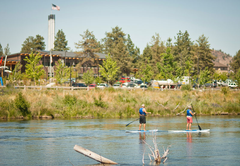 Stand up paddleboarding in Bend, Oregon | Road trip inspiration
