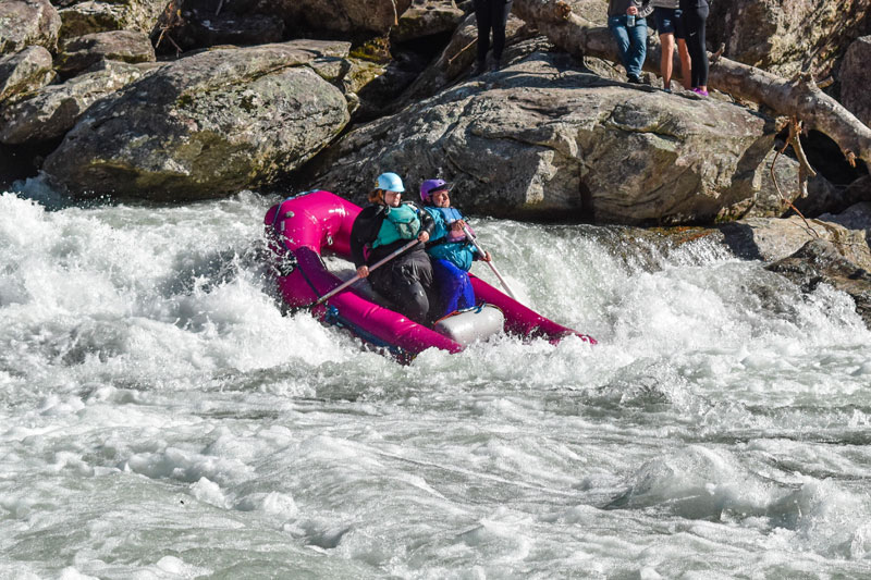 8 Essential Whitewater Rafting Tips for Plus-Size Adventurers